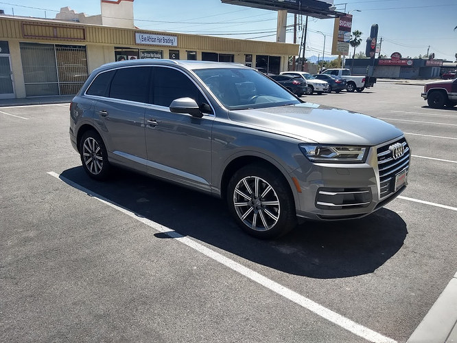 2017 Audi Q7 Premium Plus - $714 (including tax) 15 months