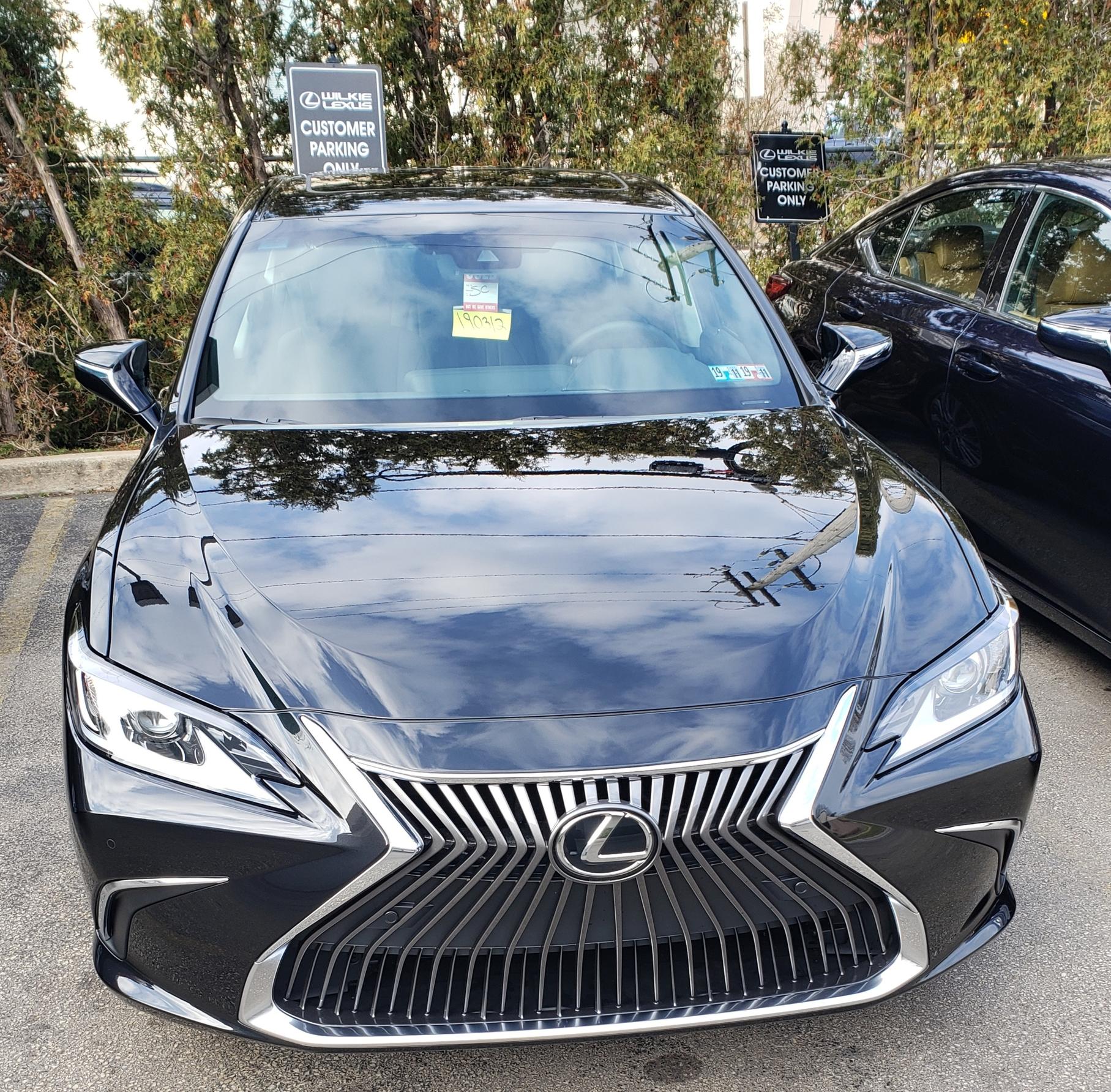 Signed: 2019 Lexus ES 350 Premium Plus $489 MO. $1500 DAS